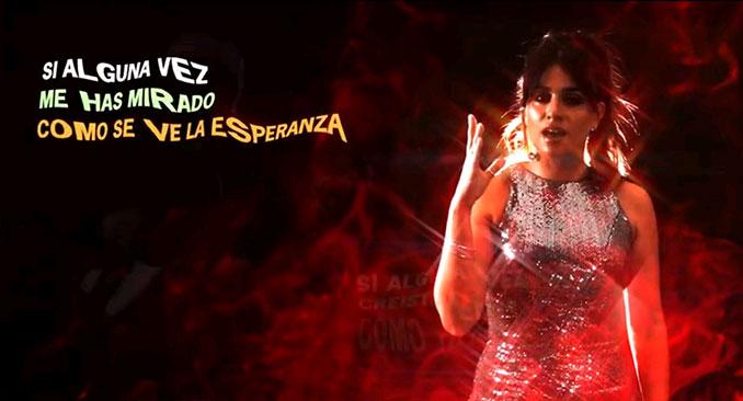 """Fátima García en un fotograma del videoclip """"Si Alguna Vez"""""""