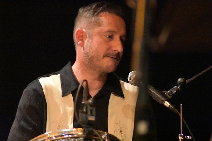 Bruno Goiburu a la batería