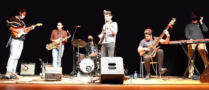 La banda Coyote en el escenario
